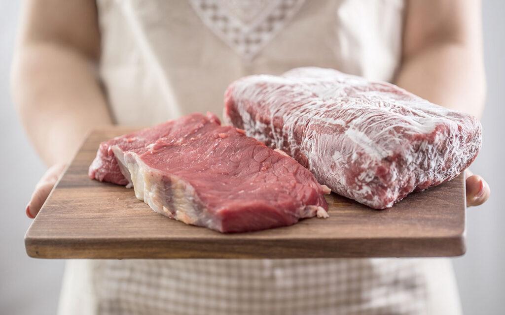 Công nghệ cấp đông mềm là quá trình làm nhiệt độ của thực phẩm giảm đột ngột xuống dưới điểm kết tinh nhưng chưa hình thành các tinh thể đá.