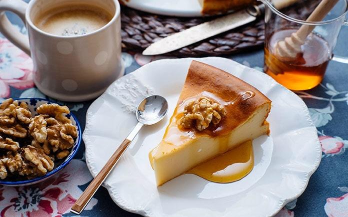 Mật ong là một loại nguyên liệu, một thành phần thực phẩm được dùng phổ biến trong đời sống hằng ngày. Có thể sản phẩm bạn đang sử dụng