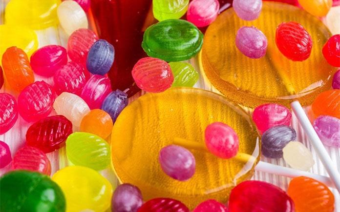 Kẹo cứng trong công nghệ thực phẩm có rất nhiều loại và đa dạng vị, màu sắc, cấu trúc khác nhau. Tuy nhiên quy trình sản xuất thì tương đươn