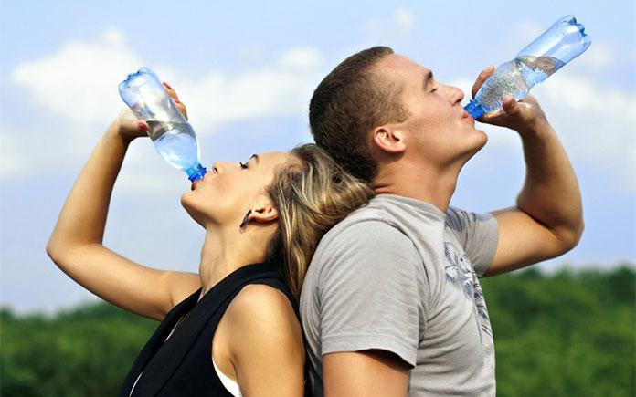 Ở một số nước phát triển như Mỹ, người ta có thể uống nước máy trực tiếp. Thế nhưng sản phẩm nước đóng chai vẫn bán rất chạy và trở thành