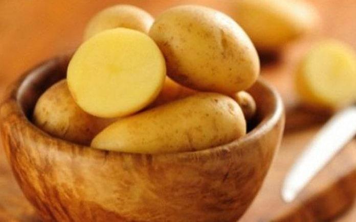 Khoai tây là một loại thực phẩm cung cấp các loại vitamin, khoáng chất và các hợp chất thực vật tốt cho sức khỏe. Sản phẩm từ khoai tây...