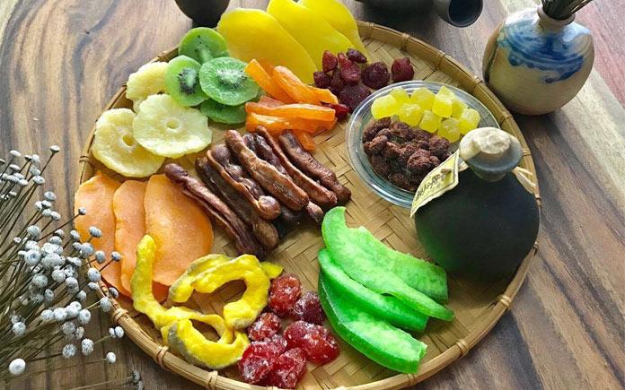 Trái cây sấy dẻo rất ngon và bổ dưỡng là món ăn vặt rất dễ mang theo. Bạn đã khi nào thắc mắc liệu ăn trái cây sấy dẻo có tốt có không?