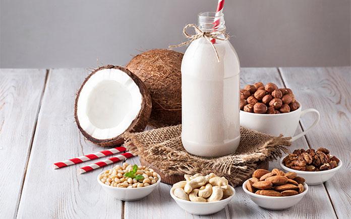 Xu hướng sống xanh – gắn liền với việc lựa chọn dinh dưỡng sạch và có nguồn gốc từ thiên nhiên, điển hình là sữa thực vật hay rau sạch