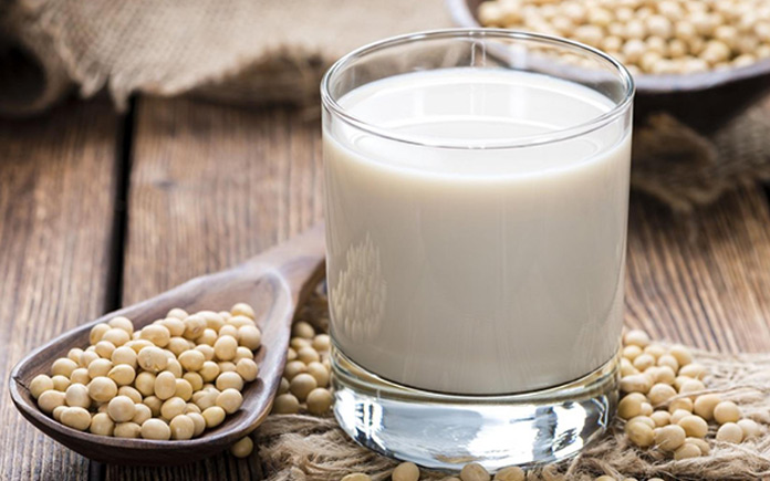 Có khi nào bạn thắc mắc sữa đậu nành tiệt trùng được sản xuất ra như thế nào chưa? Hãy cùng Foodnk tìm hiểu về quy trình sản xuất...