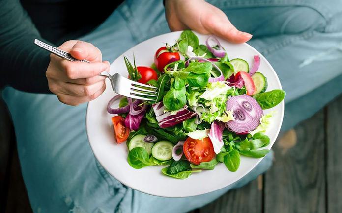 Tuy nhiên nếu ăn chay không đúng cách sẽ thiếu hụt các chất dinh dưỡng cần thiết như vitamin nhóm B, magie, kẽm,... điều này sẽ làm ảnh hưởng