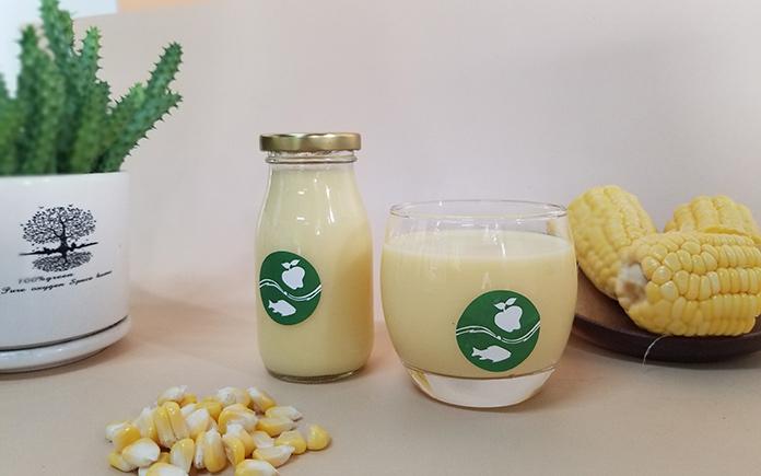 Sữa hạt đang được yêu thích ở mọi độ tuổi vì không những ngon mà còn bổ dưỡng. Làm tại nhà thức uống này cũng rất đơn giản...