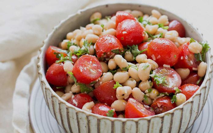 Quả cà chua có tác động tích cực trong việc cải thiện thị giác, hỗ trợ tim mạch,... Hãy cùng Foodnk tìm hiểu về lợi ích của quả cà chua nhé